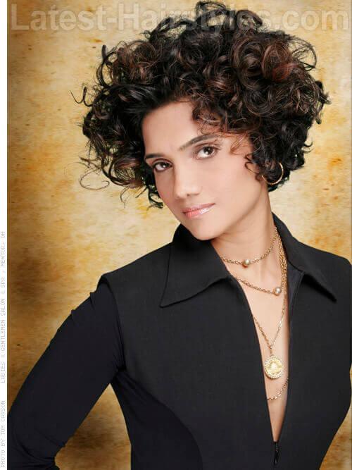 Geometric Cute Curly Haircut