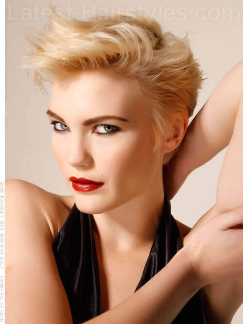 Platinum Pixie Short Blonde Look