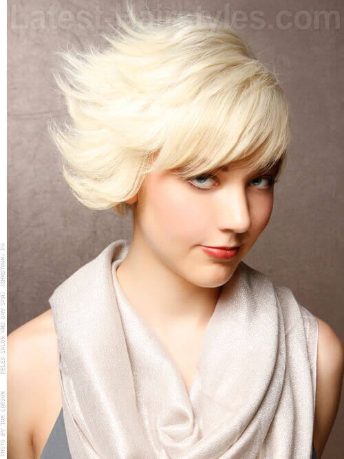Edgy Platinum Blonde Short Haircut