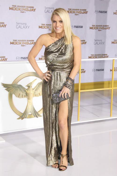 Jessica Simpson Mid Length Cut