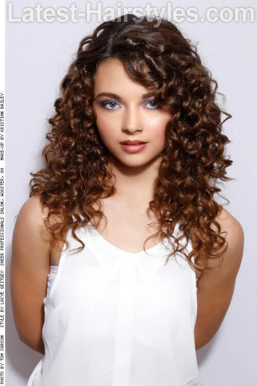Long Hairstyle with Natural Curls Side