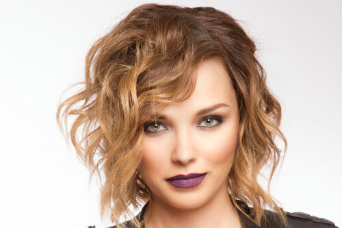 Messy Medium Hairstyle with Waves