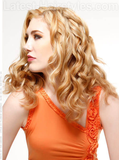 Long Blond Hairstyle with Beachy Waves Side View