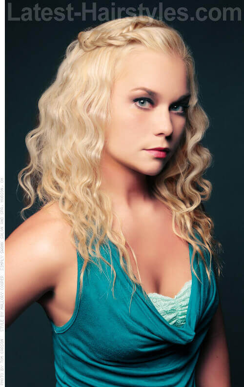 Long Blonde Hairstyle with Curls
