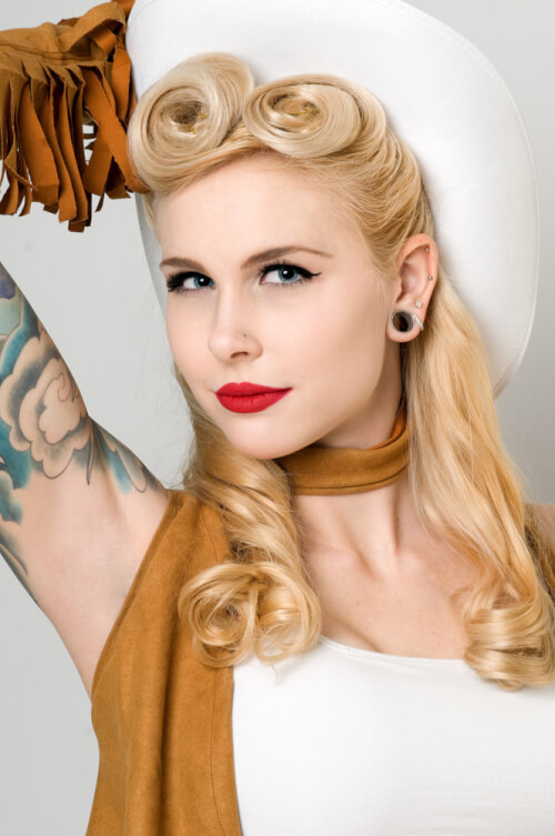 Incredible 30 Pin Up Hairstyles That Scream Quotretro Chicquot Tutorials Included Short Hairstyles Gunalazisus