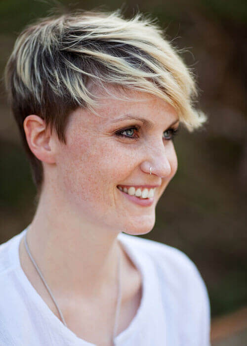 hairstyles over 50 frosted short hair cut hnczcyw com short hairstyles