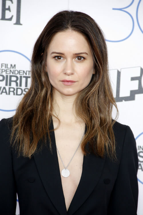 Katherine Waterston Long Hairstyle for Spring