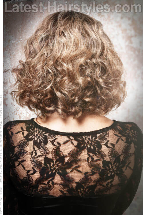 Long Bob Curly Hairstyle for Spring Back