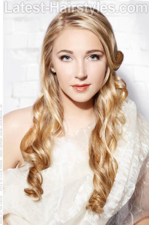 Romantic Long Hairstyle for Spring