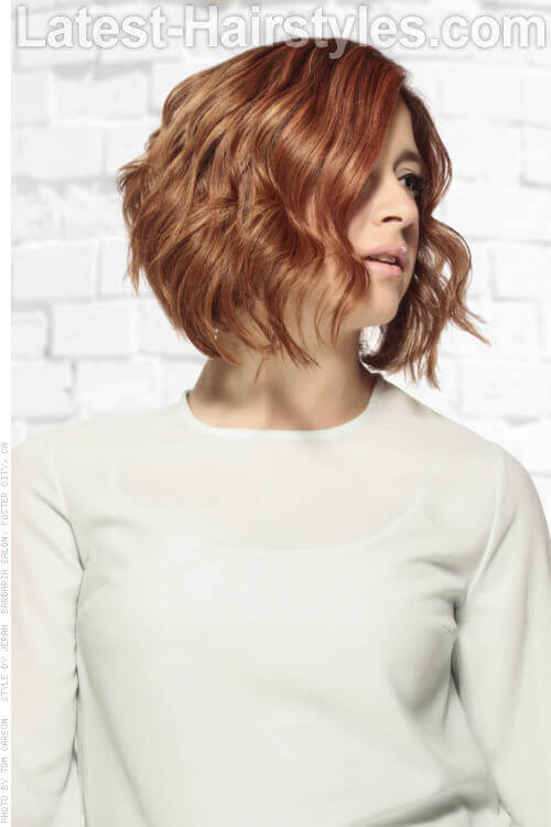 Bob Hairstyle with Loose Waves
