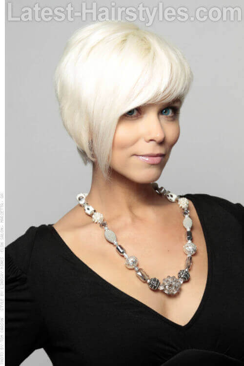 Platinum Blonde Cute Cropped Hairstyle with Shine