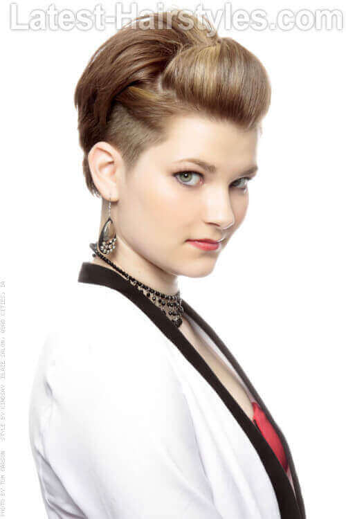 Short Fashionable Hairstyle with Small Pouf