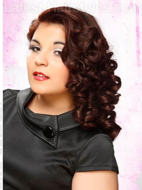 Glamorous Hairstyle with Side Swept Curls