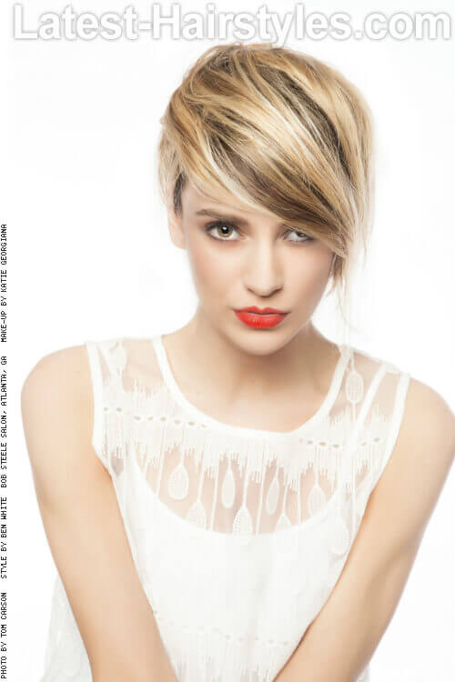 Short Hairstyle with Bright Blonde Highlights