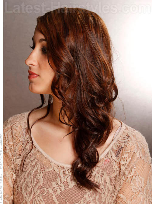 Feminine Long Curly Hairstyle for Summer Side
