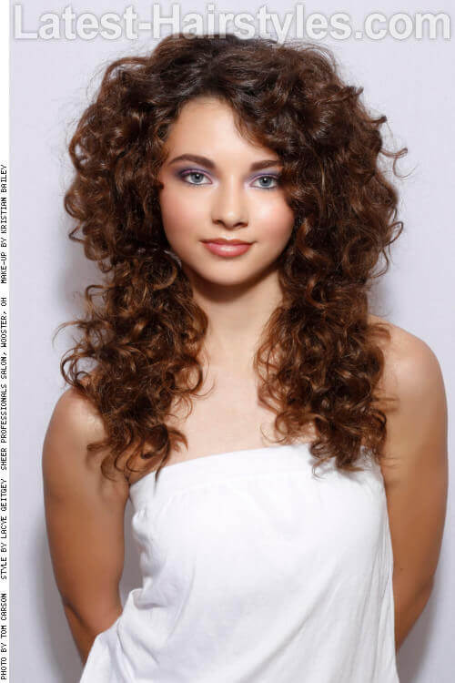 Fun Long Curly Hairstyle for Summer