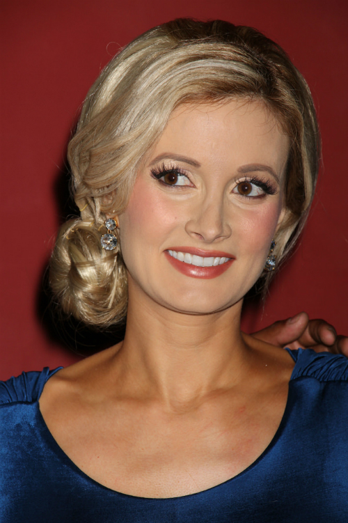 Holly Madison - Celebrity Updos