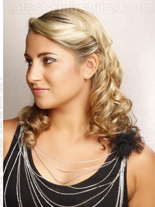 Soft Versatile Hairstyle with Curls Side View