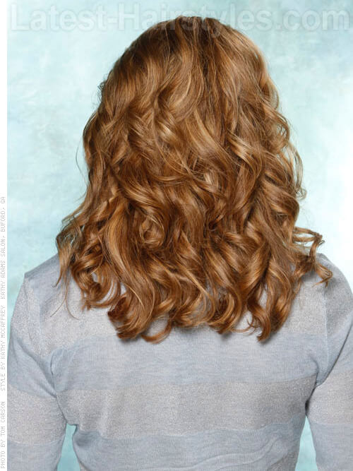 Thick Medium Hairstyle for Summer with Curls Back