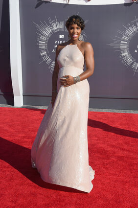 Madame Kelly Rowland's Royal 'Do At The VMAs