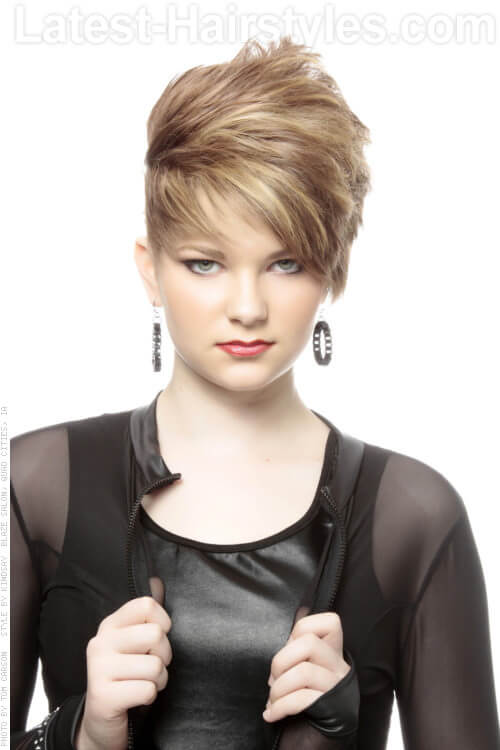 Short Edgy Hairstyle with Volume For Oval Faces