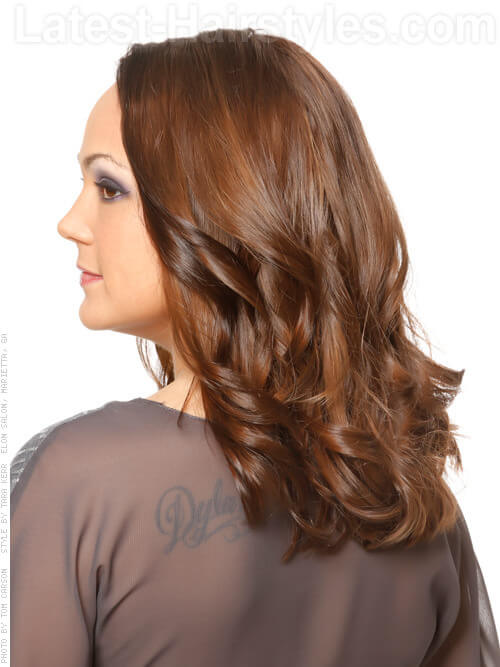 Shoulder Length Hairstyle with Long Layers Back