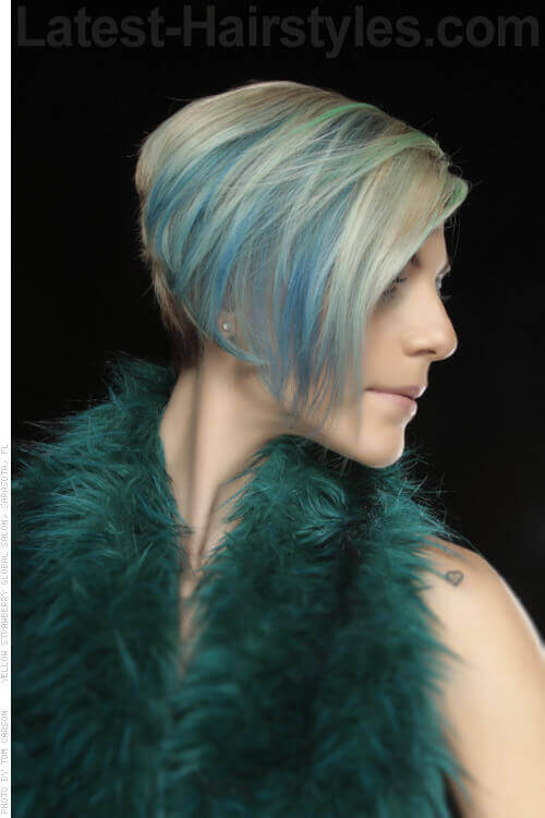 Blonde Bob with Aqua Highlights SIde