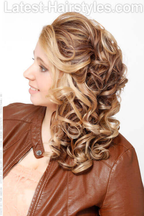 Curled Hairstyle with Volume Side