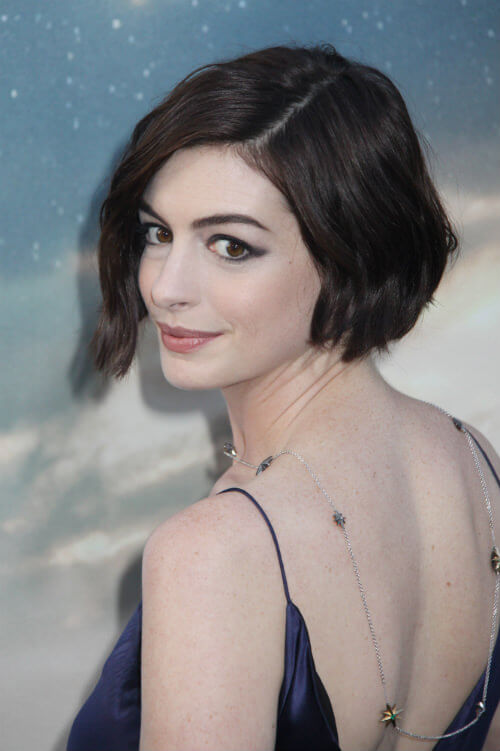 Anne Hathaway Chic Haircut Side