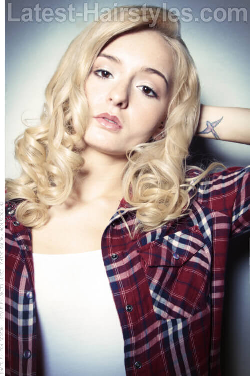 Long Blonde Hair with Ringlet Curls