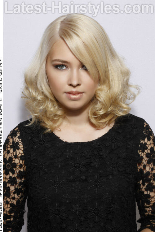 Medium Length Hairstyle for Long Faces