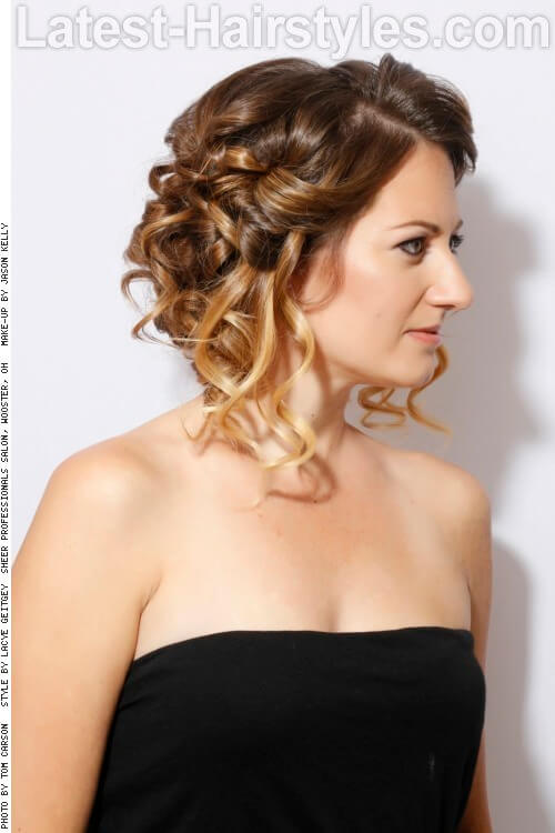 Romantic Curly Hairstyle with Texture Side