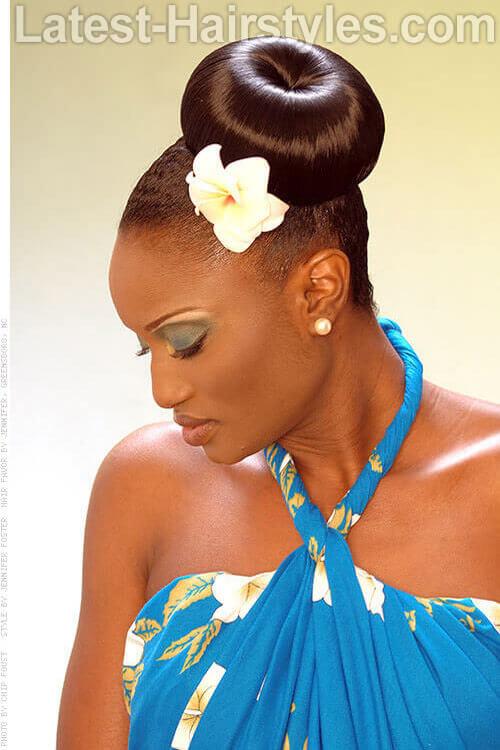 Side Bun Diva Fancy Hairstyles 1