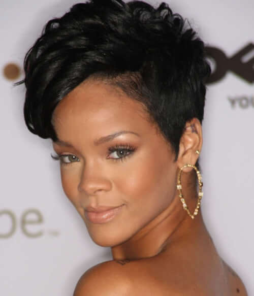 Tremendous 15 Short Weaves That Are Totally In Style Right Now Short Hairstyles Gunalazisus