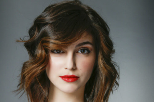 Layered Bob Hairstyle with Beachy Waves