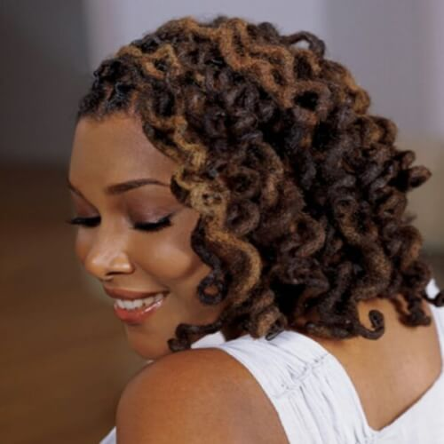 Voluminous Side Curls