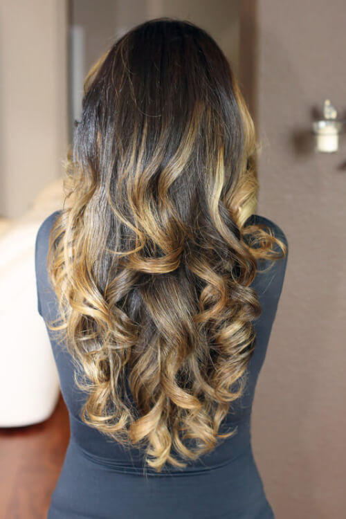 Light-Golden-Ombre-Hair-Color-on-Curls