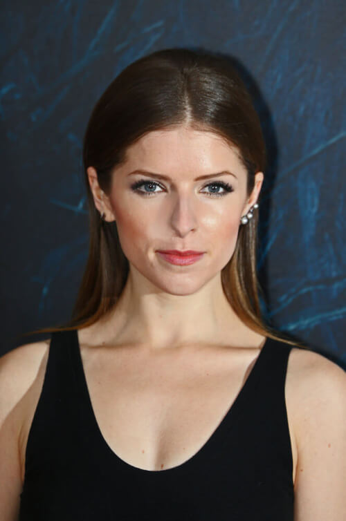 Anna Kendrick Sleek Hairstyle