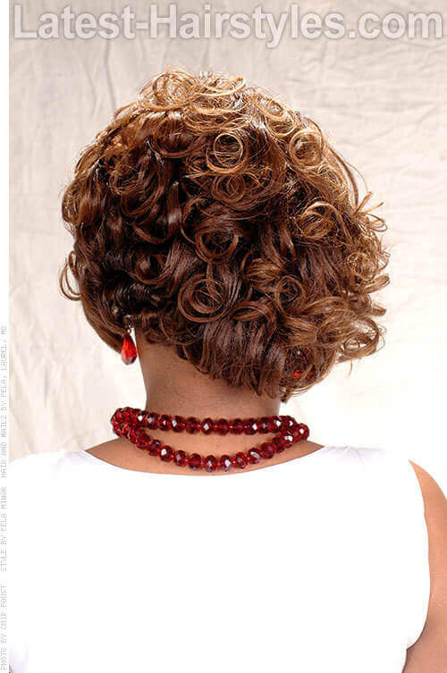 Short Hairstyle with Wavy Layers Back
