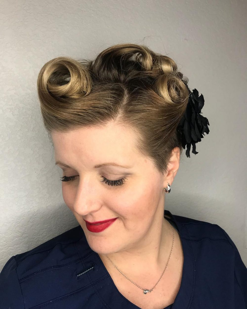 40s Hairstyles Updo