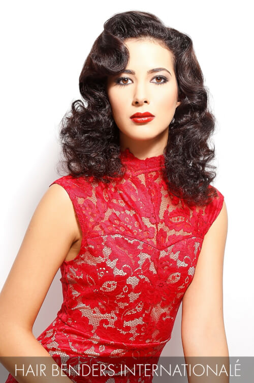 Glamorous Hairstyle with Finger Waves