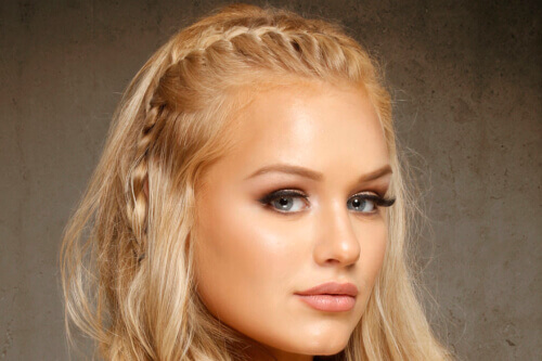 26 Perfect Hairstyles For Straight Hair 2019s Most Popular