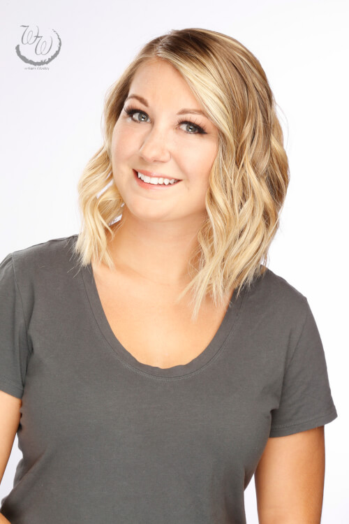 medium-bob-hairstyle-with-beachy-waves