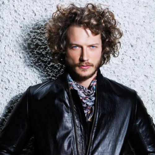 mens-curly-hairstyle