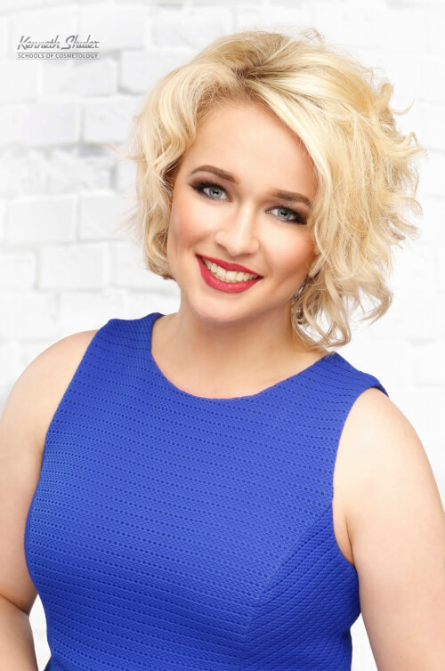 short-layered-hairstyle-with-curls