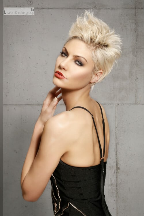 short-layered-hairstyle-with-volume-and-texture