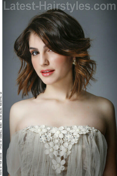 Textured Wavy Bob Hairstyle