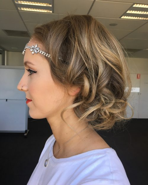 Picture of an accessorized faux bob
