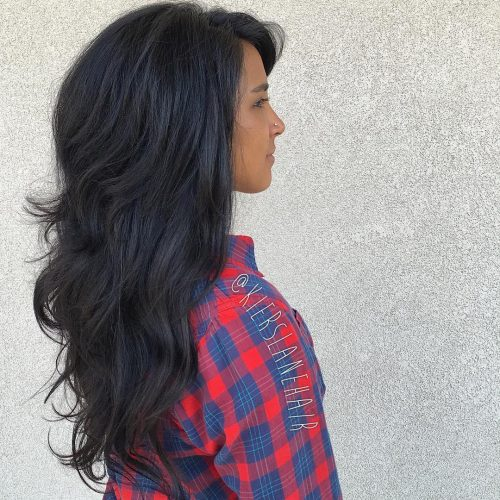 Picture of an airy movement choppy layered hair