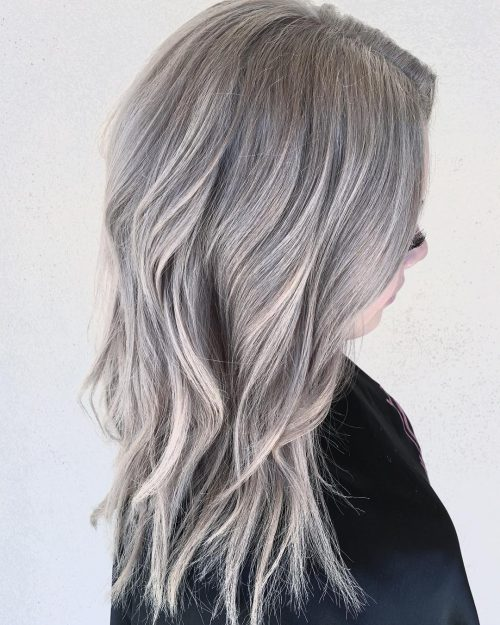Picture of an ashy platinum ombre